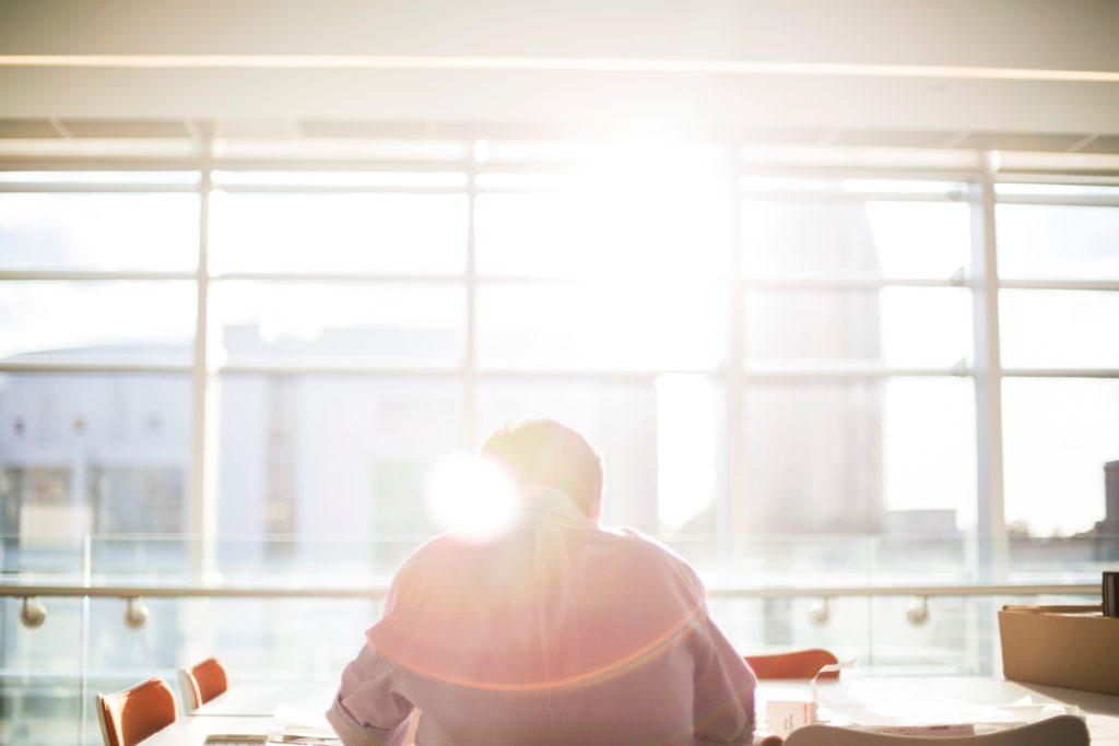 なぜ連休明けは「仕事に行きたくない」のか 仕事をやる気が出ない原因とスムーズに仕事を再開する7つの方法