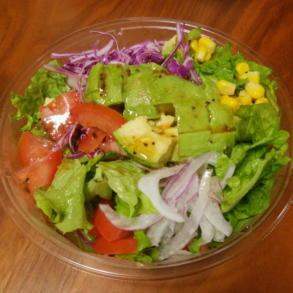 クア・アイナのハワイアンコブサラダ