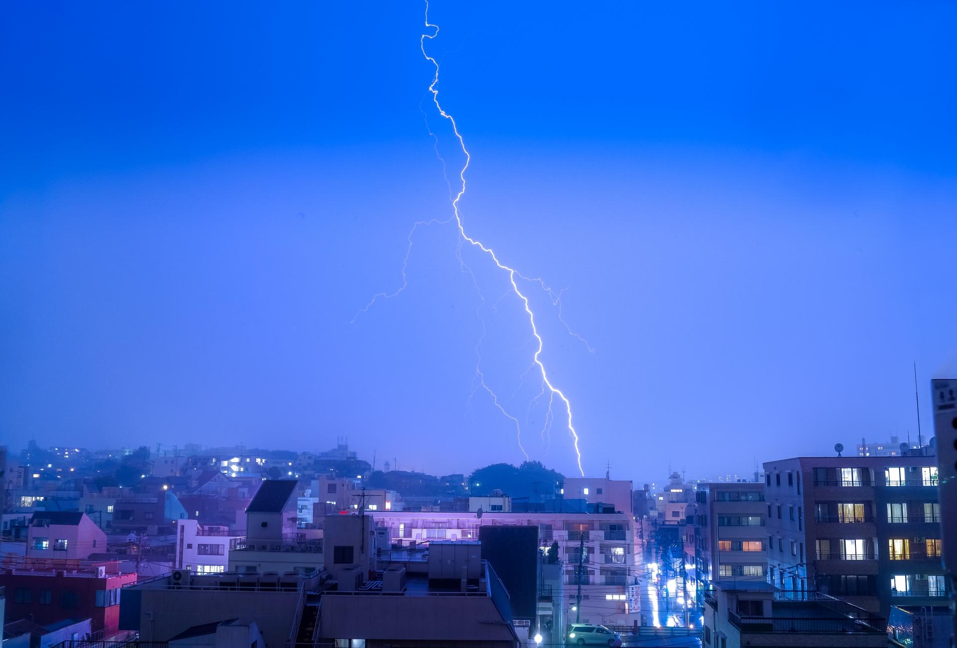 雷から身を守り落雷による被害を防止するための対策法